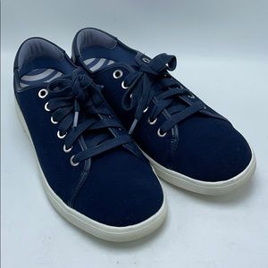 Vionic Brinley NS339 sneakers with bonus laces